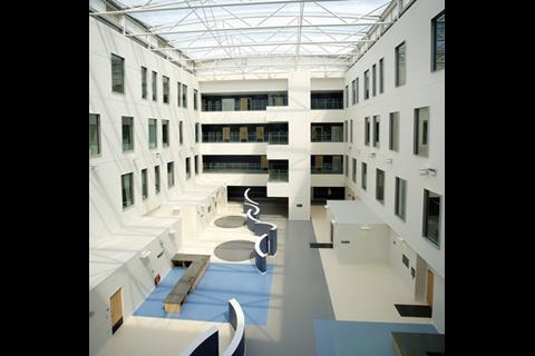 The children's, women's and eye hospitals each have a spacious entrance atrium. This is the women's hospital